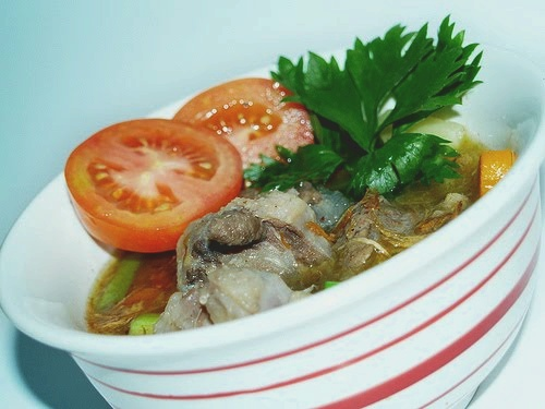 How to make Sop Buntut (Javanese Oxtail Soup)