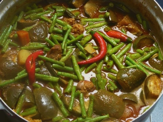 Dalca Sayur Pengantin (Vegetable Stew with Lentils)