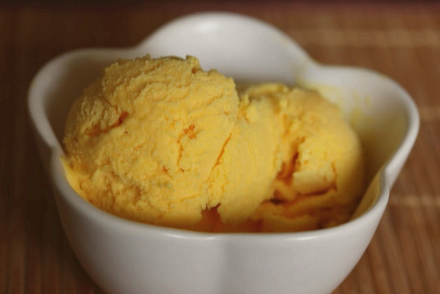 Making Filipino Mango Ice Cream